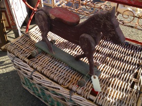 horse:basket